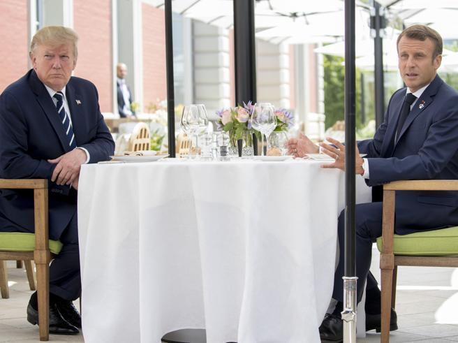 G7 a Biarritz, pranzo fuori programma Trump-Macron. Dialogo su dazi e clima foto