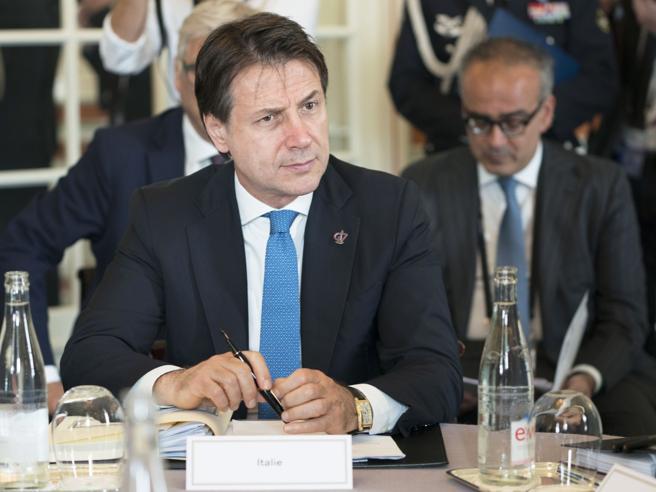 Conte al G7: «La stagione politica  con la Lega è chiusa»