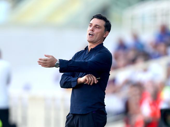 Fiorentina-Napoli, Montella: «Il rigore dato a Mertens figlio di una chiara simulazione»
