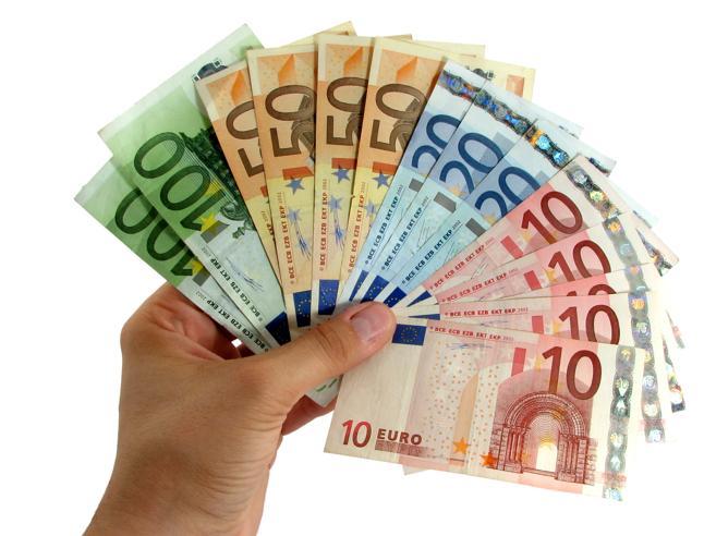La Svizzera: «Vuoi sottoscrivere il mio debito? Allora pagami un interesse dell'1%»