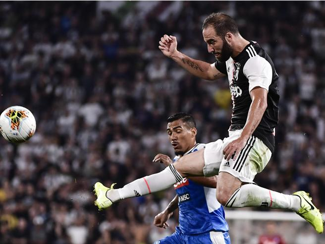 Juventus-Napoli 4-3, pagelle: Higuain kolossal, De Ligt confuso; Koulibaly figuraccia, Lozano sfrontato