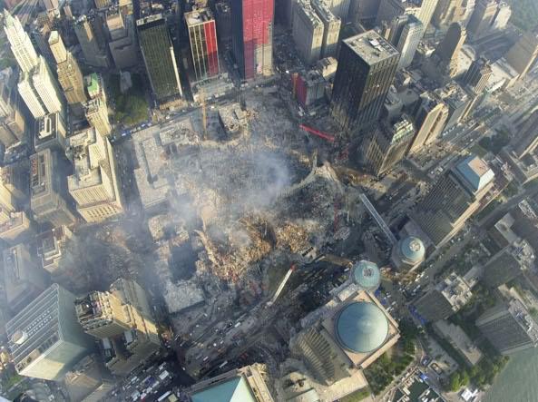 Il cratere di Ground Zero dopo la rimozione di parte delle macerie (Reuters)