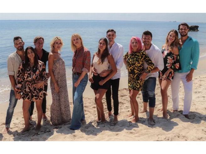 Temptation Island Vip 2019 al via, tra abbandoni in corsa, conduttrici in pigiama e presunti spoiler