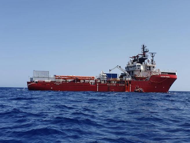 Migranti, Zingaretti: «Ocean Viking deve sbarcare  senza se e senza ma»