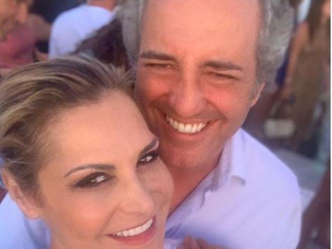 Simona Ventura: «Mi sposerò con Giovanni Terzi. E l'incidente a mio figlio Niccolò mi ha cambiato la vita»