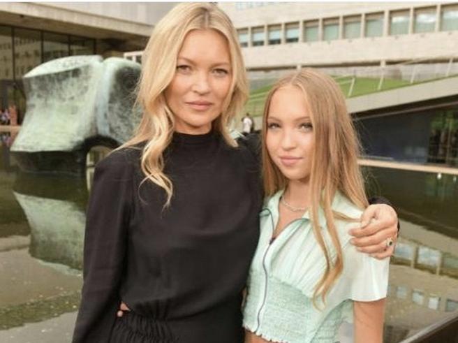 Come due gocce d'acqua: Kate Moss con la figlia Lila alla New York Fashion Week