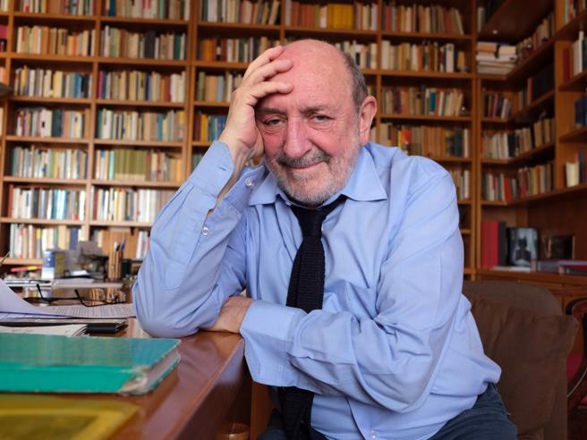 Umberto Galimberti: «A 18 anni via da casa, serve il servizio civile»