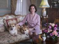 Colman, volto inquieto di Elisabetta II nella terza stagione di «The Crown»