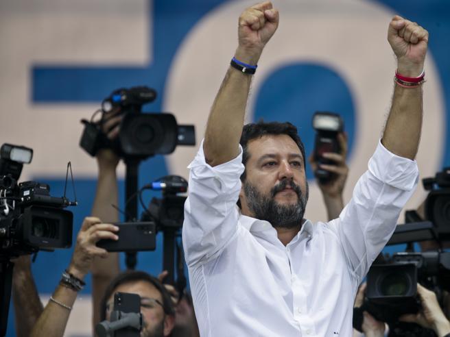 Pontida 2019, Salvini: «La flat tax? Ci sarà. Gli evasori? Tra le finte cooperative»