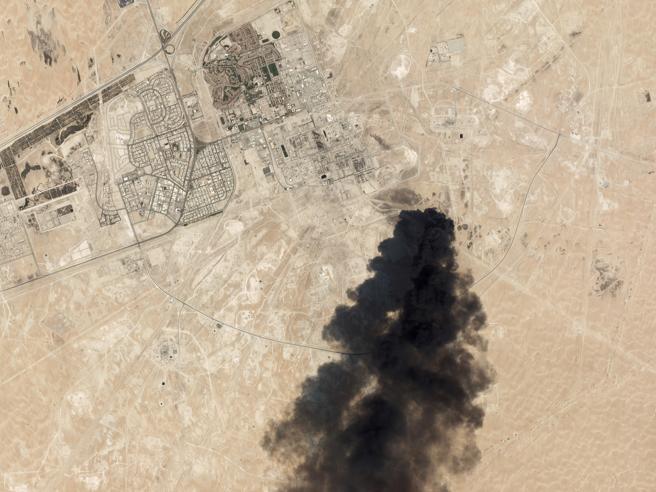 La Cnn: attacco al petrolio saudita con missili dall'Iran