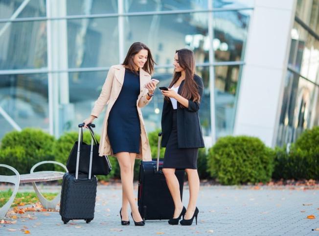 Lavoro, 2 italiani su 3 pronti a trasferirsi all'estero per carriera migliore e stipendio più alto
