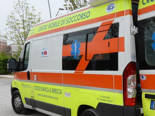 Bimbo dimenticato in auto dal padre muore a 2 anni a Catania