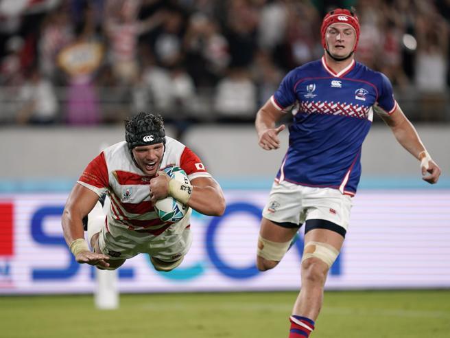 Mondiali di Rugby, iniziata la caccia alla Nuova Zelanda. Il Giappone batte la Russia