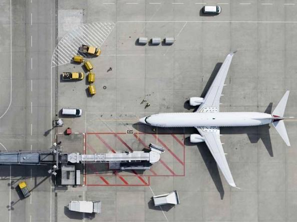 La tassa sui voli vale 137 milioni e irrita le compagnie: paga il turismo
