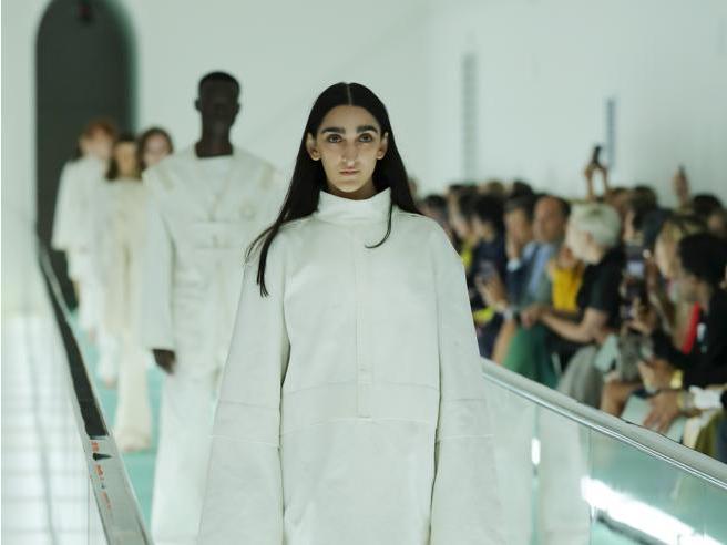 Gucci: «Le camicie di forza non sono in collezione»