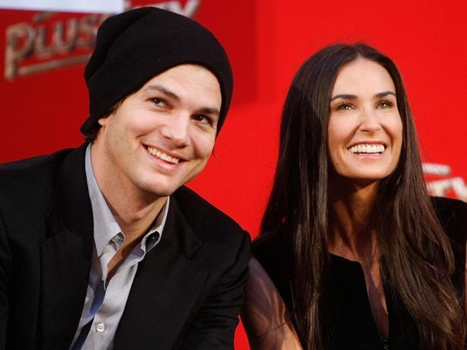 Demi Moore, «Kutcher mi ha tradita due volte, per lui ho fatto sesso a tre»