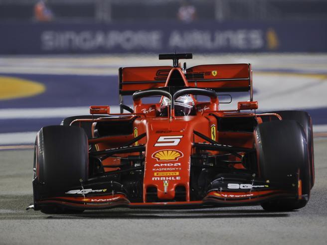 Doppietta Ferrari a Singapore: vince Vettel su Leclerc, ter