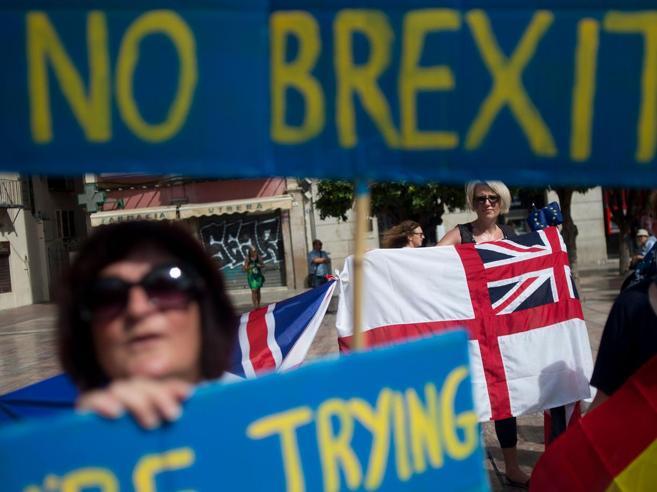 Brexit, allarme dell'industria auto: senza accordo settore a rischio