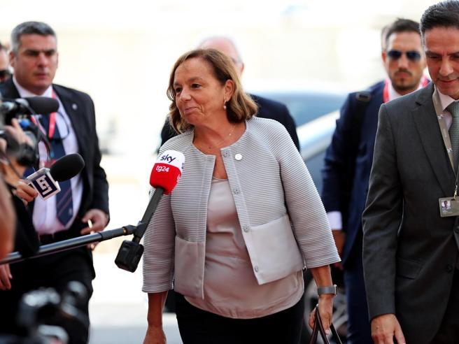 Lamorgese: «Accordo su  redistribuzione dei migranti e rotaz