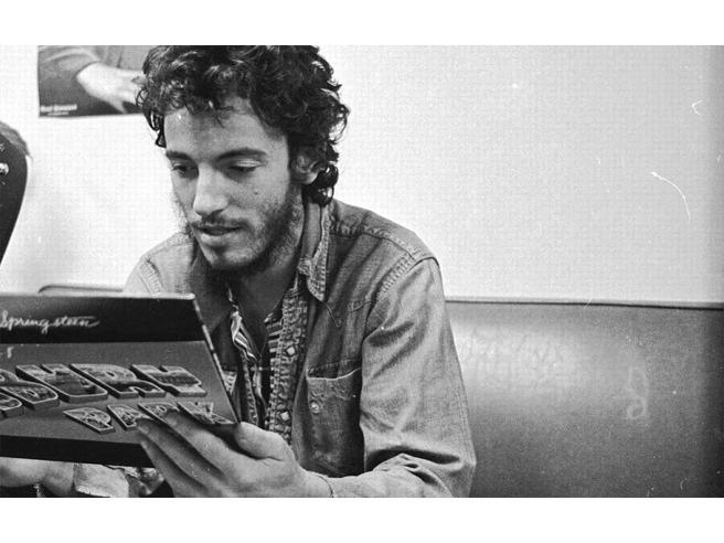 Bruce Springsteen ha 70 anni: le radici italiane, il rapporto con i genitori e un quadro astrale da comunicatore sconfinato