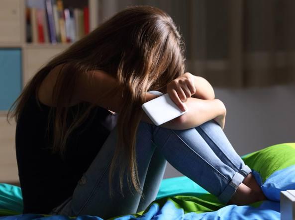 Cyberbullismo, non colpisce solo i ragazzini «sfigati» - Corriere.it