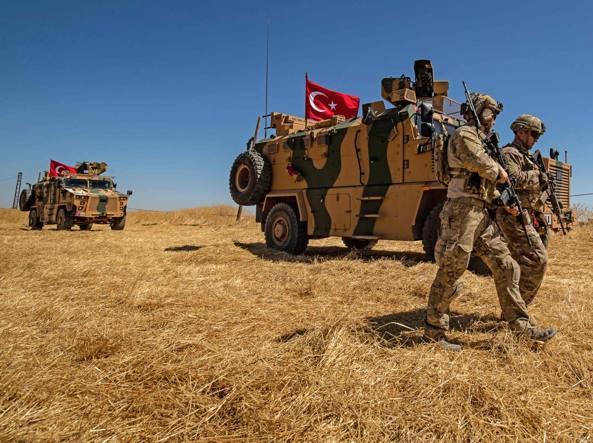 La Turchia pronta a invadere la Siria Gli Usa ritirano le truppe dal confine