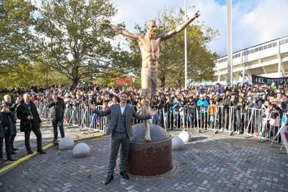 Svezia: svelata a Malmö la statua dedicata a Zlatan Ibrahimovic