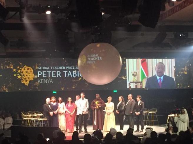 Global Teacher Prize, il prof da un milione di dollari: «Noi insegnanti possiamo cambiare il mondo»