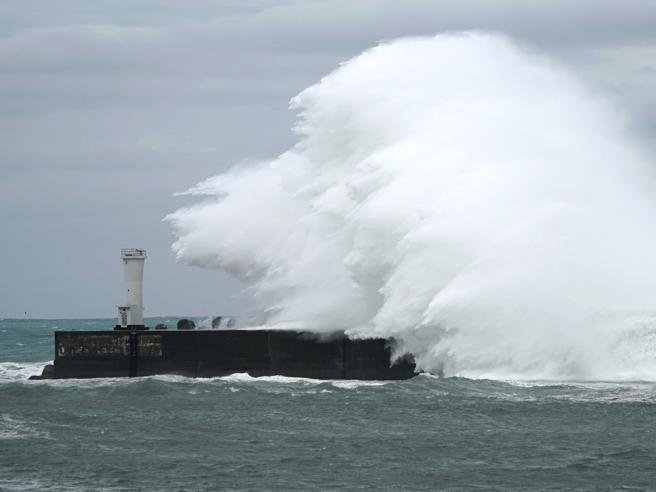 Giappone, arriva il tifone Hagibis,  «fra i peggiori degli ultimi anni»