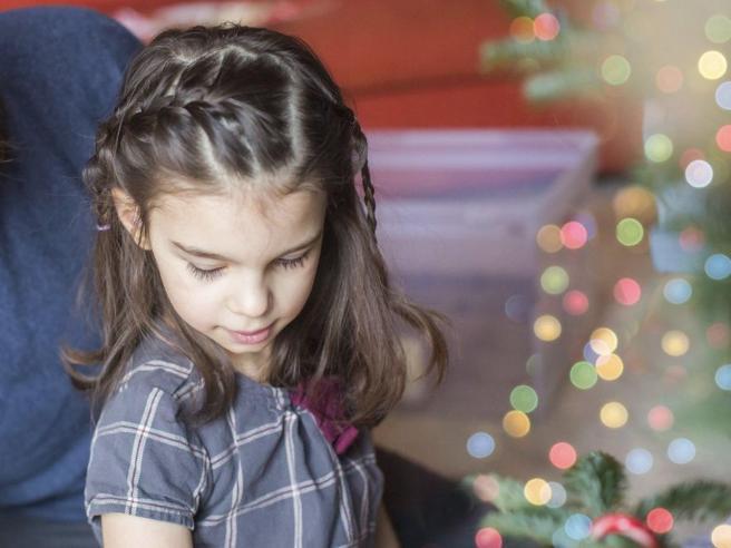 Farmaco creato per una sola paziente: Mila, 8 anni, ha la malattia di Batten