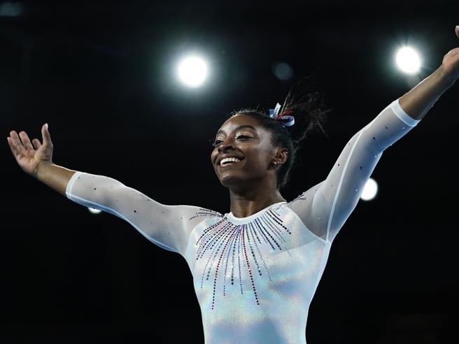 Simone Biles, come lei nessuno mai: abbatte i record e riscrive la storia della ginnastica