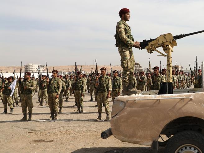 Il sibilo, le schegge: sotto le bombe  turche
