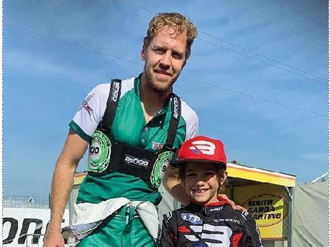 Pietro, 7 anni, fenomeno del kart: «Vettel? Correrò come lui»