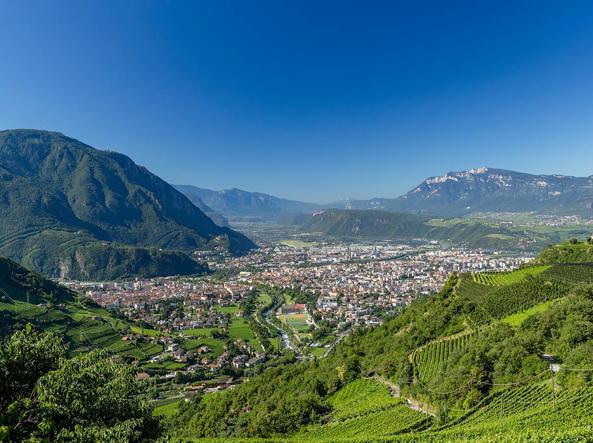 Cucine Usate Trentino Alto Adige.Trentino Abolito Alto Adige Ma Il Sudtirol Resta Corriere It