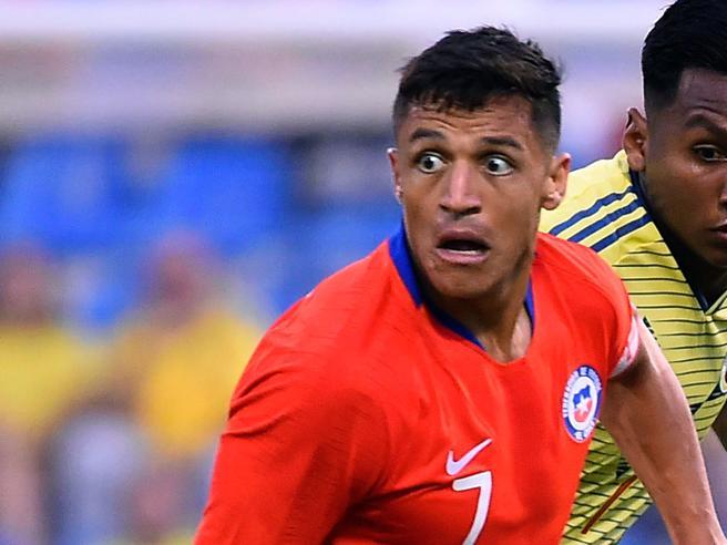 Inter, Alexis Sanchez a rischio operazione per la lussazione del tendine
