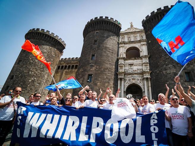 Whirlpool: pronti a trattare sulla riconversione di Napoli