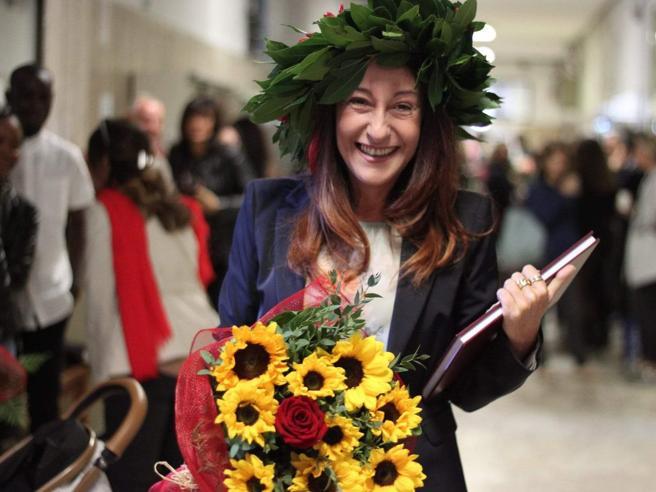 Paola Taverna dottoressa a 50 anni. Chi ha la laurea e chi no nel governo giallo-rosso