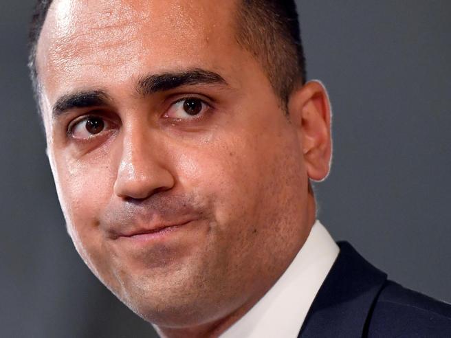 Manovra, M5S avverte il premier:  obbligo Pos e contante «de