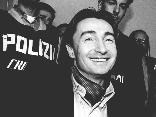 Felice Maniero arrestato per maltrattamenti alla compagnaPoi scoppia a piangere: «Devo pensare a mia figlia»  Video