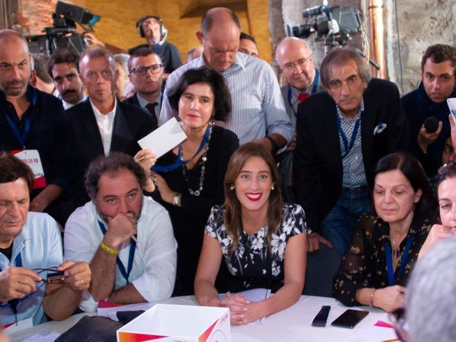 Italia Viva, pronto il simbolo di Renzi. Boschi: «Il Pd sta