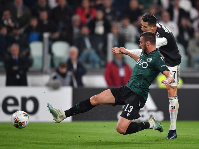Juve-Bologna 2-1, Ronaldo e Pjanic per mantenere la vetta