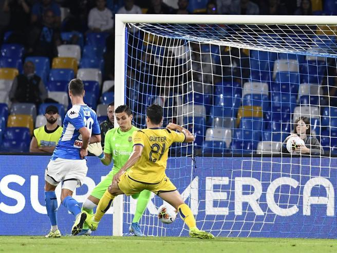 Napoli-Verona 2-0, doppio Milik: gli azzurri consolidano il quarto posto