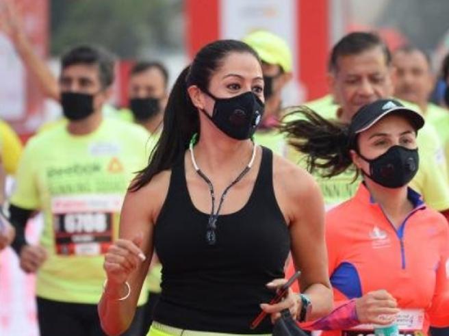 New Delhi, in 40 mila alla mezza maratona più inquinata del mondo