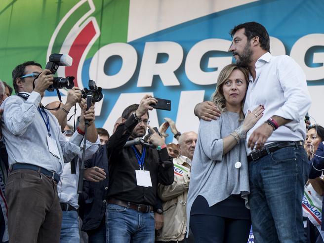 Riecco il centrodestra,  showdi Meloni fra vaffa e cinghiali Salvini: dobbiamo studiare E  Renzi rilancia la Leopolda