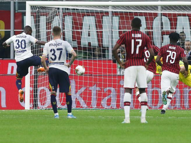 Milan-Lecce 2-2, Pioli parte male: Calhanoglu e Piatek ok, ma Calderoni pareggia al 92'