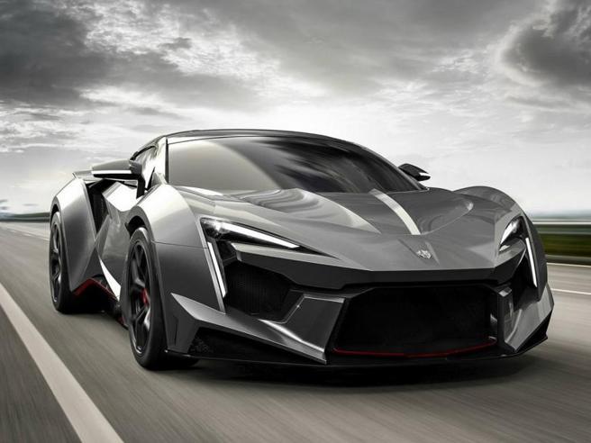 Le 10 auto più veloci del mondoE una raggiunge i 500 km all'ora