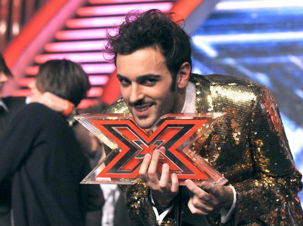 Mengoni vincitore a XFactor nel 2009:  scelto dal giudice Morgan nella categoria under uomini, si impone  portando il suo singolo «Dove si vola» al primo posto della Top singoli (foto Claudio Mangiarotti)