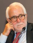 Nato a Soriano Calabro (Vibo Valentia) nel 1947, Enzo Ciconte è uno dei maggiori esperti di criminalità organizzata e insegna Storia delle mafie italiane all'Università di Pavia