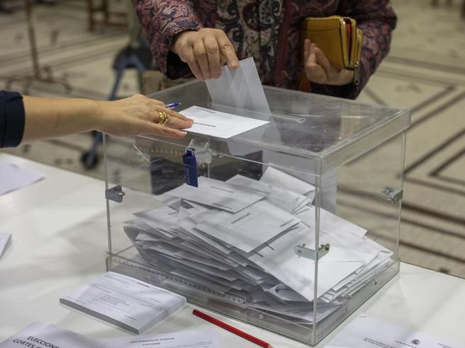 Elezioni in Spagna, i risultati: Sánchez perde la scommessa, ultradestra  ...
