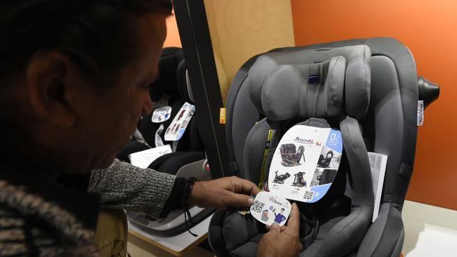 Dispositivi anti abbandono, i seggiolini in vendita sono regolari o no? Lite Altroconsumo-Ministero